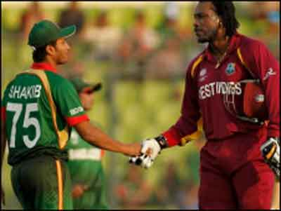 Icc Cricket Worldcup 2011 West Indies Bus Attacked With Stones By Bangladeshi Crowd