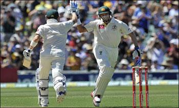 Janobi Afrika K Khilaf Australia Ki Position Mustahkim Adlead Test