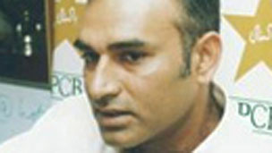 Baslahiat Cricket Khilario Ka Milna Ab Dushwar