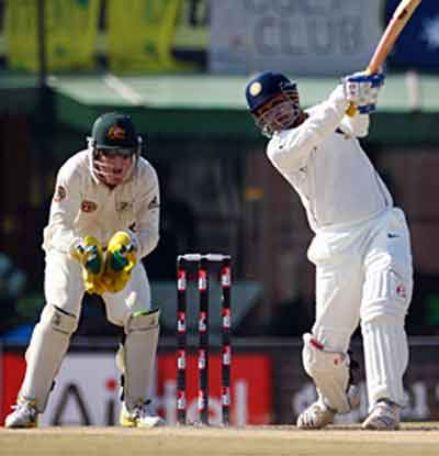 India On The Verge Of Winning Second Test Against Australia Due To Great Performance By Gambhir And Harbhajhan